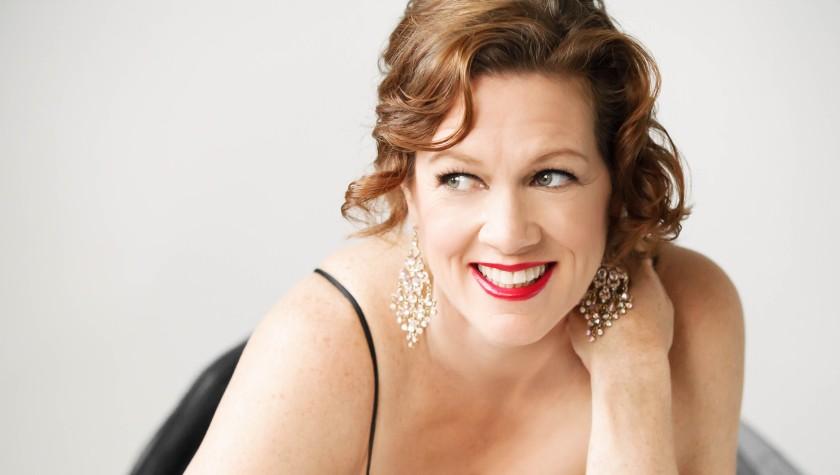 Promotional photograph for opera, cabaret, and music theater performer Alizon Reggioli